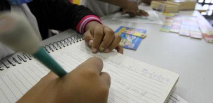 criança-escrevendo.jpg