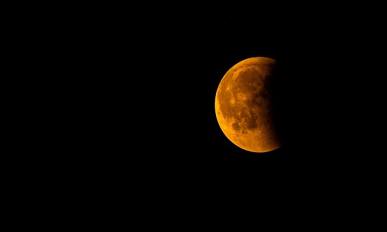 eclipse-lunar-foto-pixabay-16072019.jpg